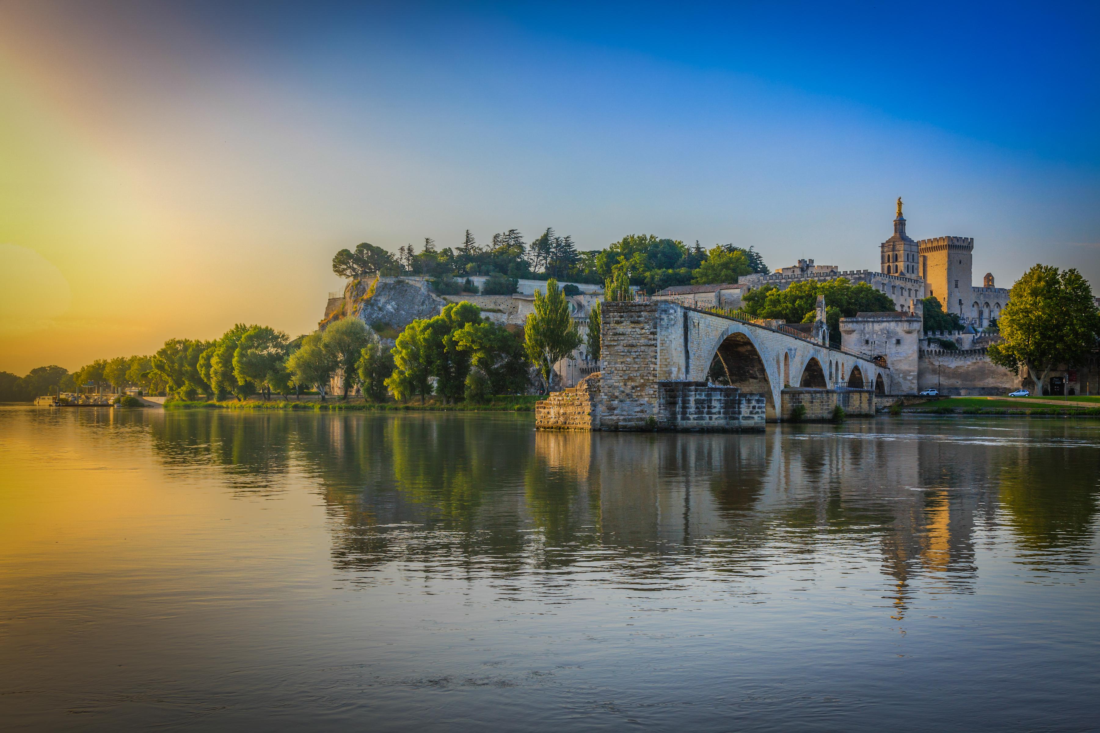 Avignon_pont_Saint-Bénezet_août_20131